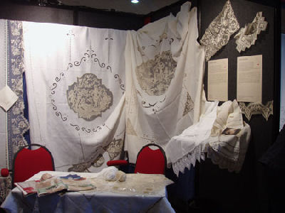 Filet lace-making in Italy