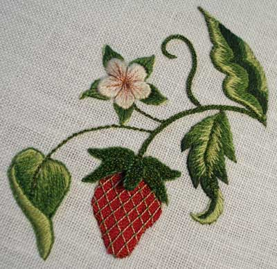 Gilt Sylke Twist Thread: Strawberry Practice Piece