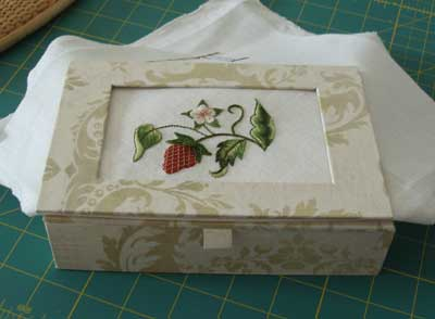 Hand Embroidered Strawberry with Gilt Sylke Twist: Finishing