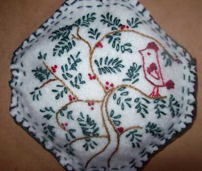 Reader's Embroidery: Quaker-style Design in Surface Embroidery