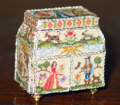 EMBROIDERY LOOP Dollhouse Miniatures 1:12 Scale