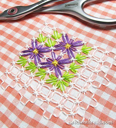 Gingham Lace / Chicken Scratch Embroidery - Free Pattern