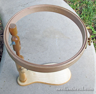 Sit-on Embroidery Hoop Stand - Fanny Frame