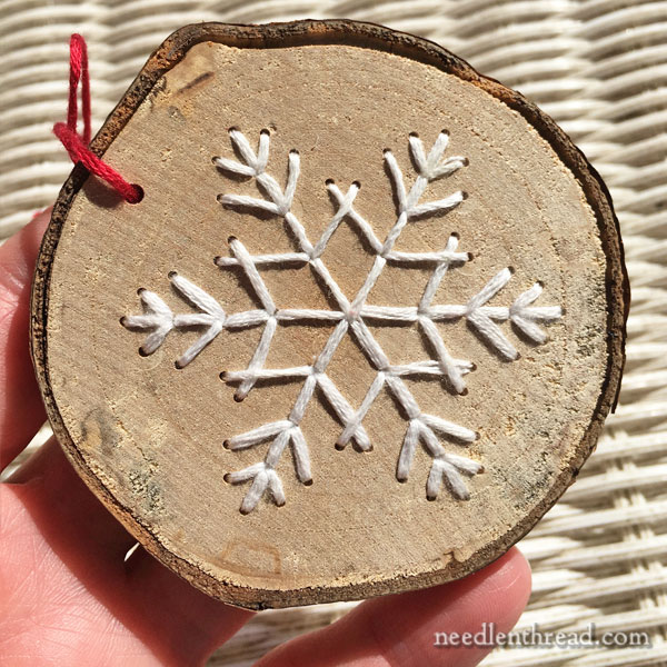 Embroidery on wood - Christmas ornament