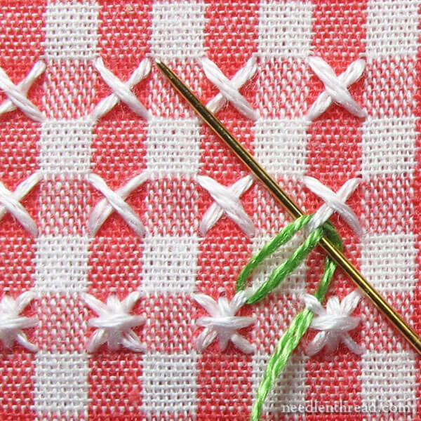 How to do Chicken Scratch Embroidery: adding a leafy border