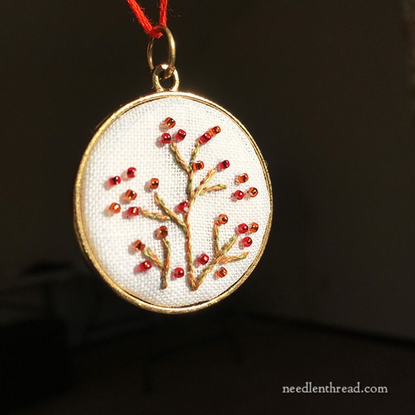 Autumn Embroidery for Jewelry - free patterns