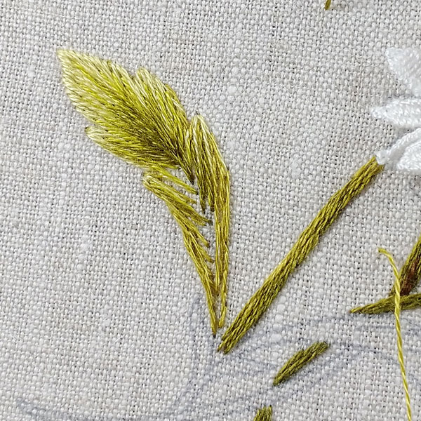 How to embroider daisies, part 3: stems, leaves, and more