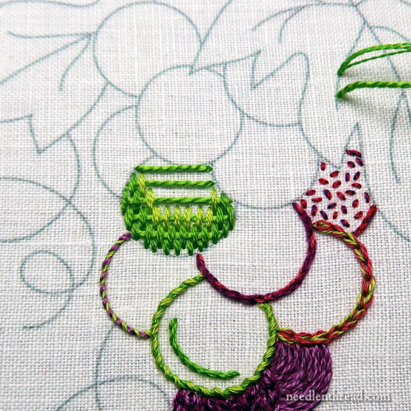 Embroidered Grapes tutorial: fillings and outlines